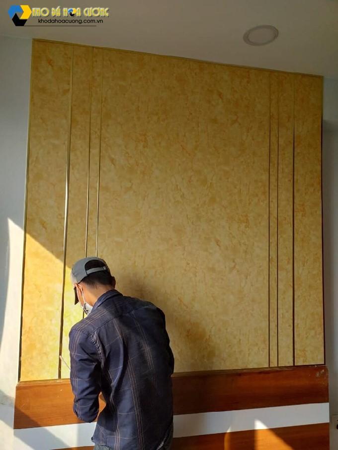 đá hoa cương ốp tường màu vàng
